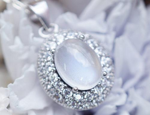 招桃花戒指送給單身閨蜜,神助攻的三種寶石款式推薦!